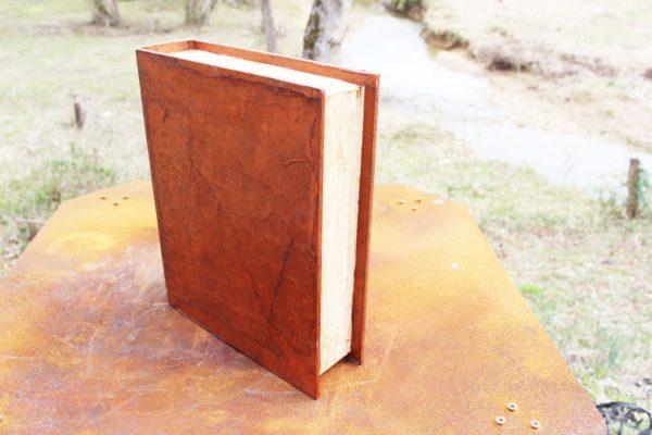 book urn 3